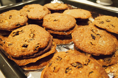 Stacks-of-Oatmeal-Cookies-vegan