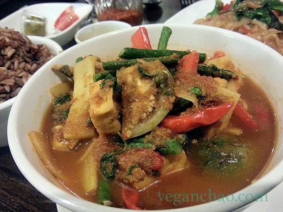 sripraphai vegan woodside queens jungle curry